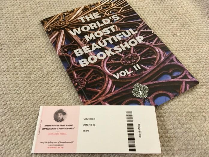 レロ書店の入場チケットと引き換えた本