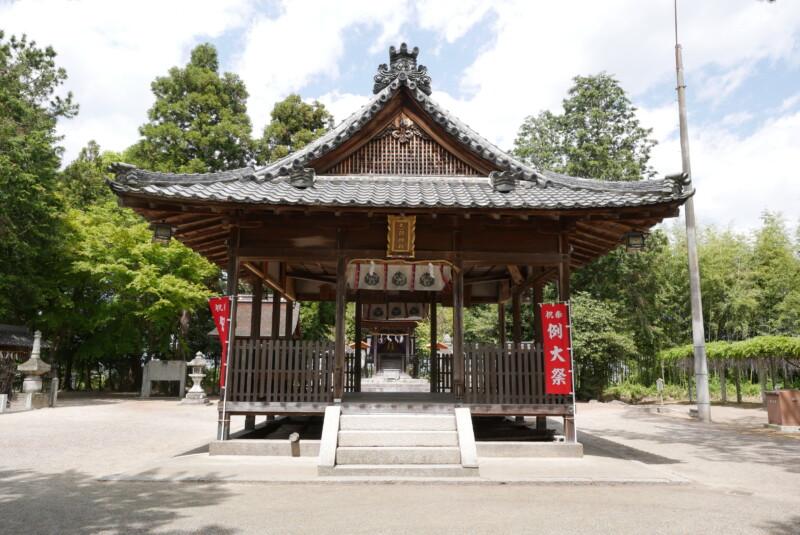 志那神社の拝殿