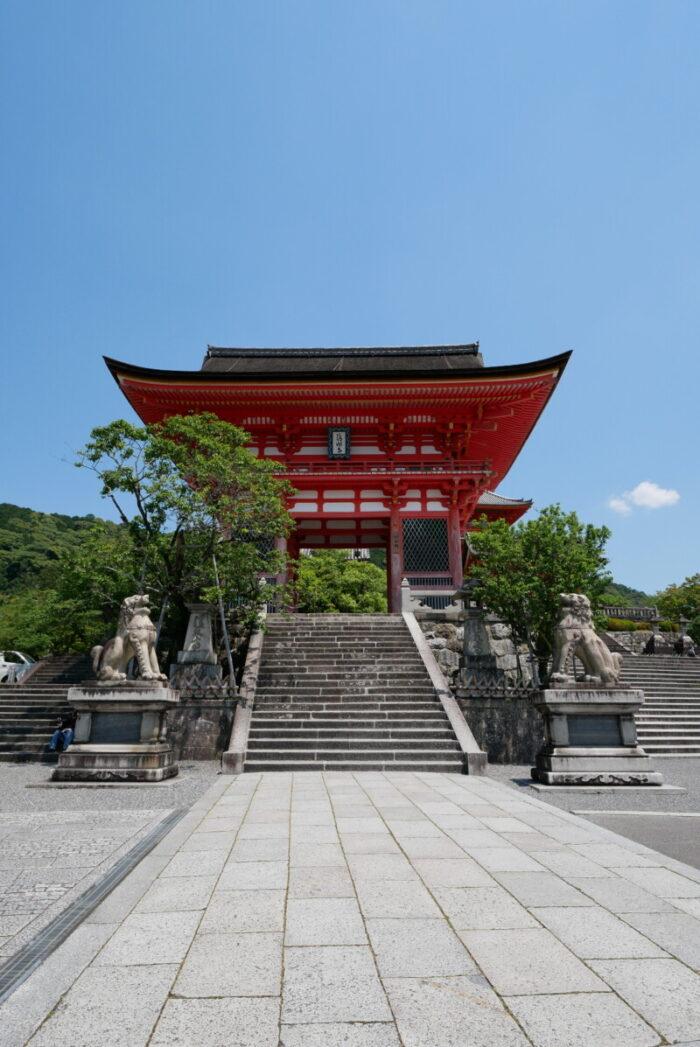 清水寺の仁王門