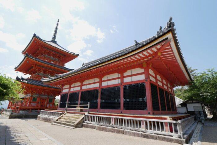 清水寺の経堂