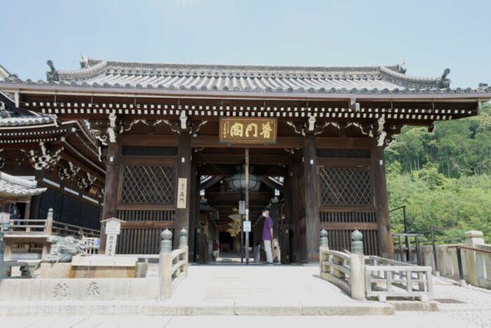 清水寺の轟門
